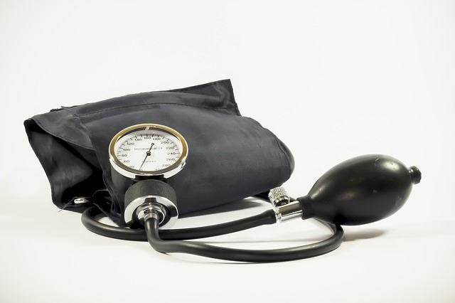 L'autocontrôle de la tension artérielle: une bonne habitude pour lutter contre l'hypertension
