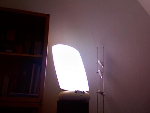 COMMENT BIEN CHOISIR SA LAMPE DE LUMINOTHERAPIE